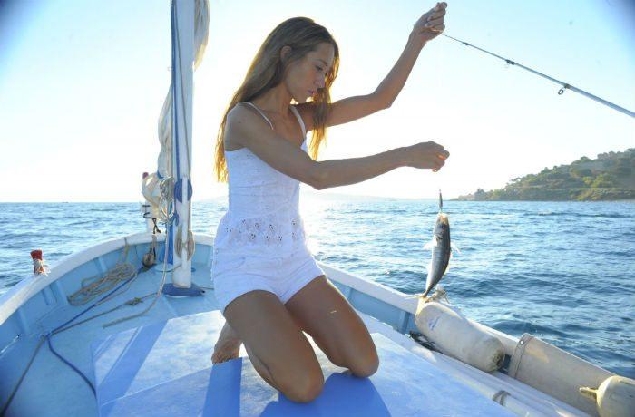 NINA. Side_-Fishing-1024x681