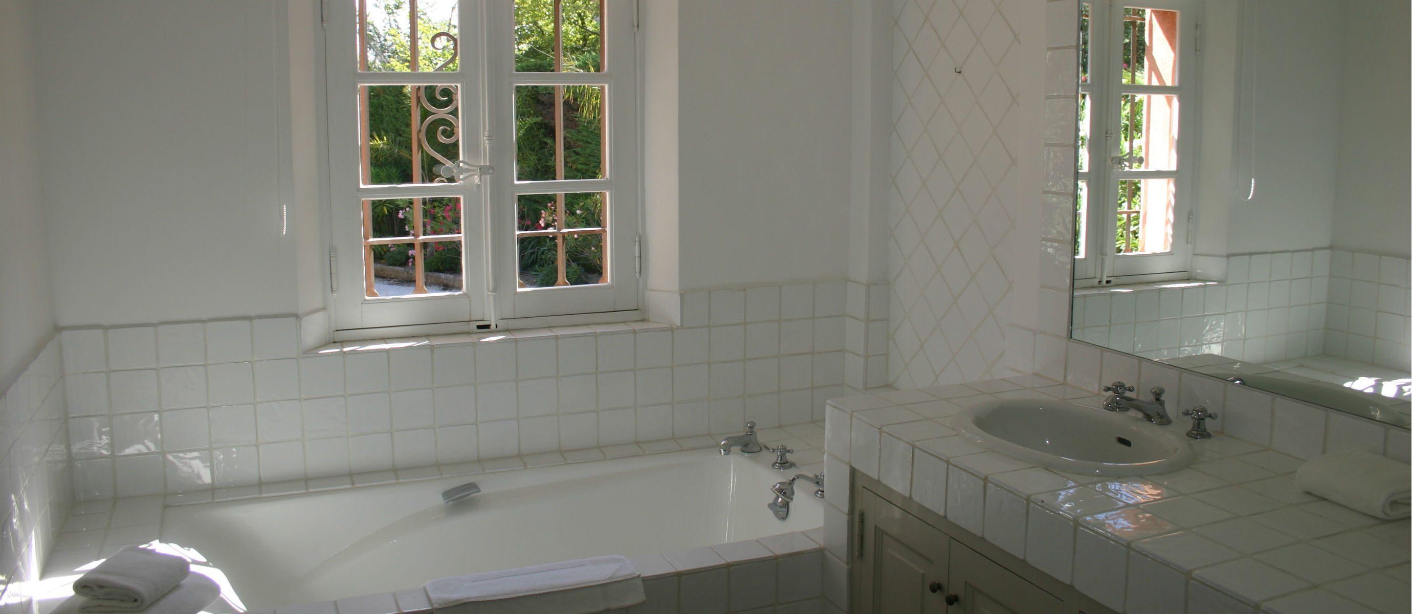 MR. Bathroom IMG_2361