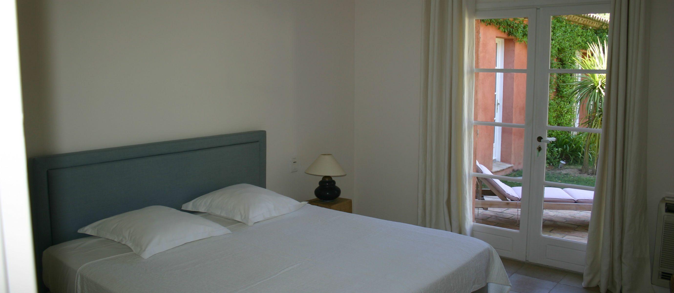 MR. Bedroom. IMG_2360